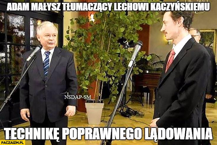Adam Małysz tłumaczący Lechowi Kaczyńskiemu technikę poprawnego lądowania