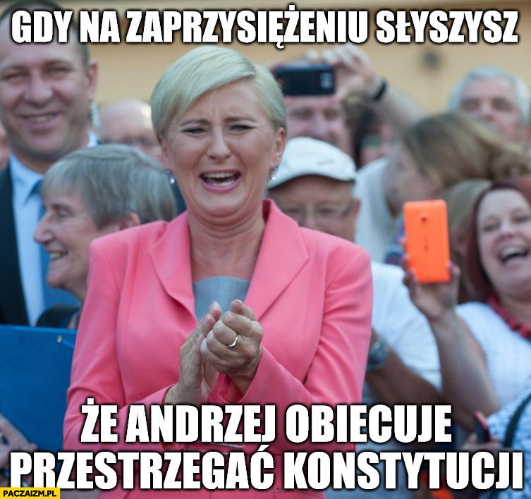 Agata Duda gdy na zaprzysiężeniu słyszysz, że Andrzej obiecuje przestrzegać konstytucji śmieje się