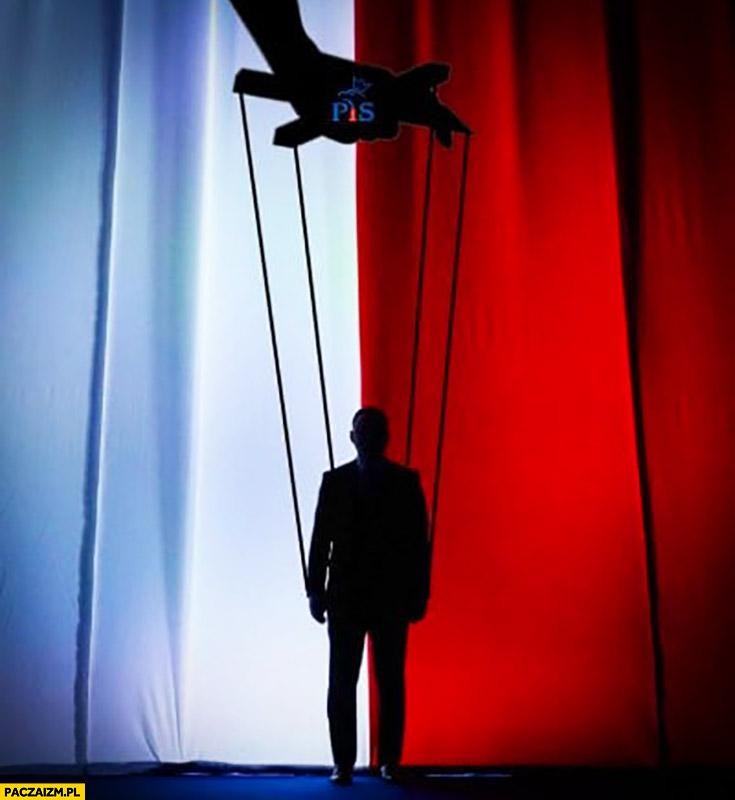 Andrzej Duda kukła marionetka zdjęcie z konwencji wyborczej