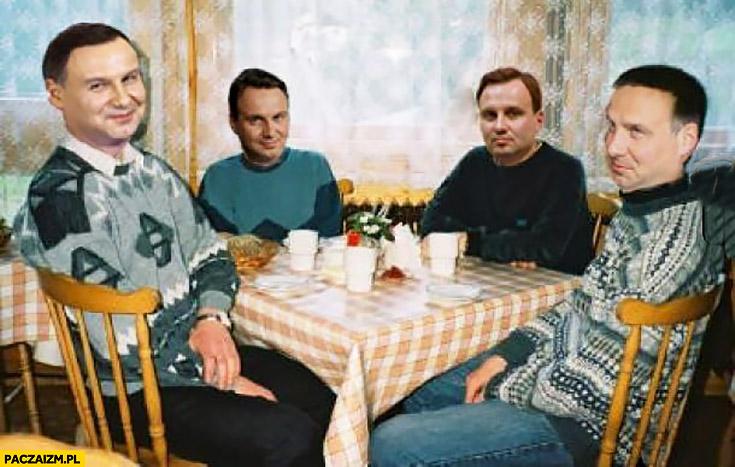 Andrzej Duda przeróbka czterech studentów siedzi przy stole