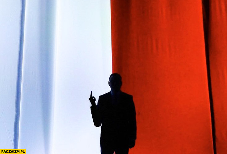 Andrzej Duda środkowy palec zdjęcie przeróbka gest Lichockiej