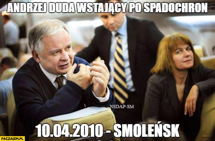Andrzej Duda wstający po spadochron 10 kwietnia Smoleńsk Tupolew