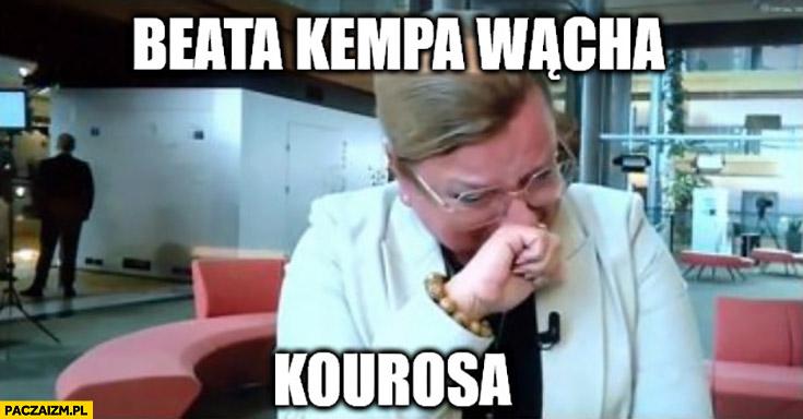 Beata Kempa wącha kourosa płacze perfumy