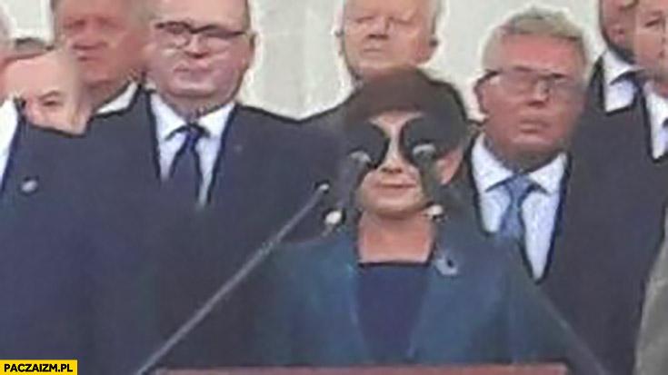 Beata Szydło oczy mikrofony
