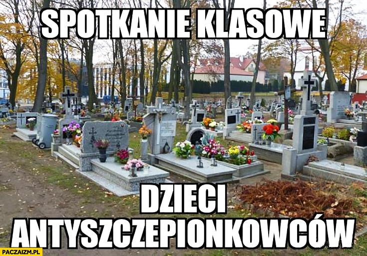 cmentarz-groby-spotkanie-klasowe-dzieci-