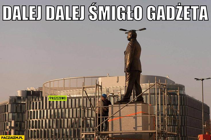 Dalej dalej śmigło gadżeta pomnik Lecha Kaczyńskiego latarnia na głowie