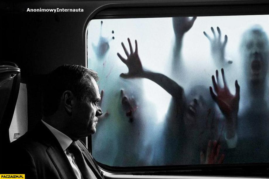 Donald Tusk zombie walking dead wizyta w Polsce zdjęcie w przedziale pociągu