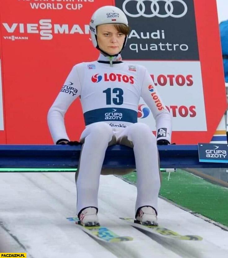 Emilewicz na skoczni narciarskiej przeróbka photoshop