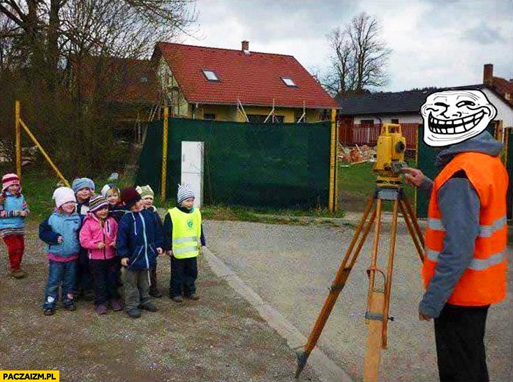 Geodeta zdjęcie dzieci