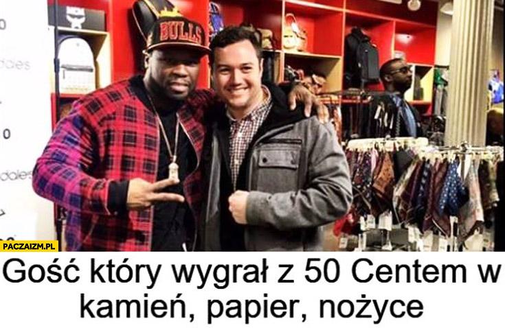 Gość który wygrał z 50 Centem w kamień papier nożyce
