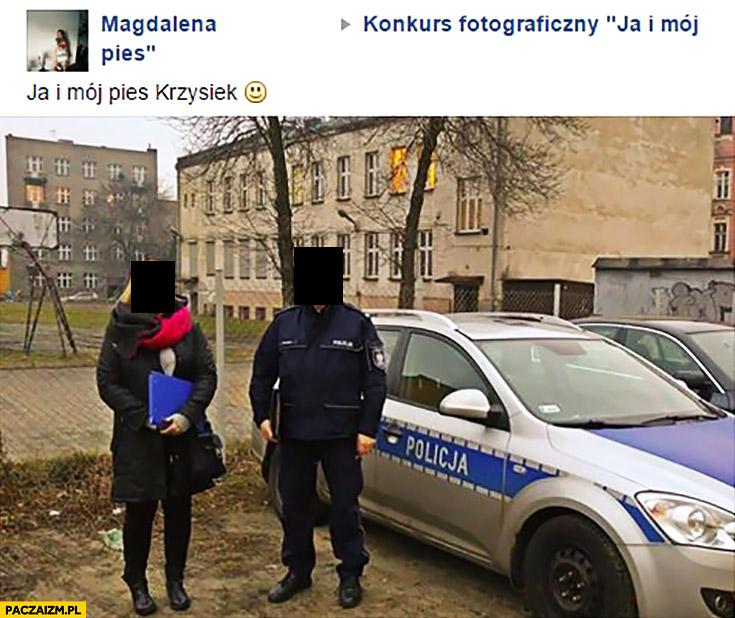 """Ja i mój pies Krzysiek. Konkurs fotograficzny """"Ja i mój pies"""". Zdjęcie z policjantem"""
