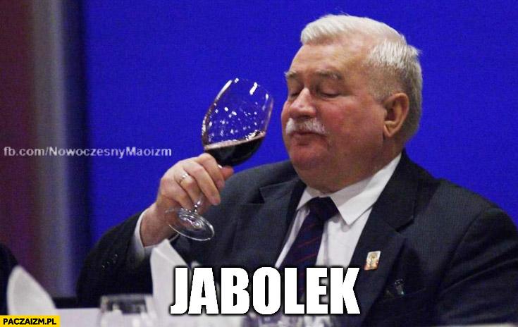 Jabolek Wałęsa pije jabola TW Bolek