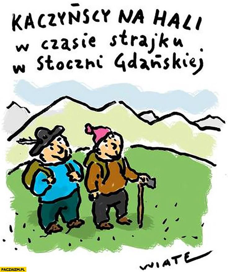 Kaczyńscy na hali w czasie strajku w stoczni Gdańskiej w górach