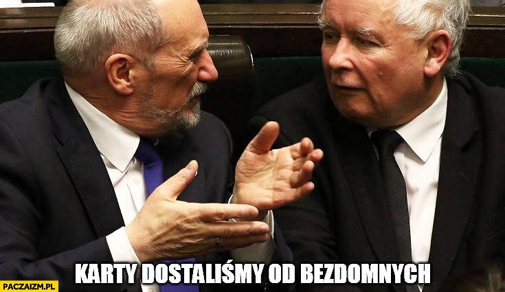 Kaczyński Macierewicz karty dostaliśmy od bezdomnych MON Ministerstwo Obrony Narodowej karty kredytowe