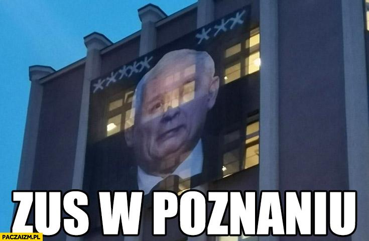 Kaczyński na ścianie plakat transparent ZUS w Poznaniu