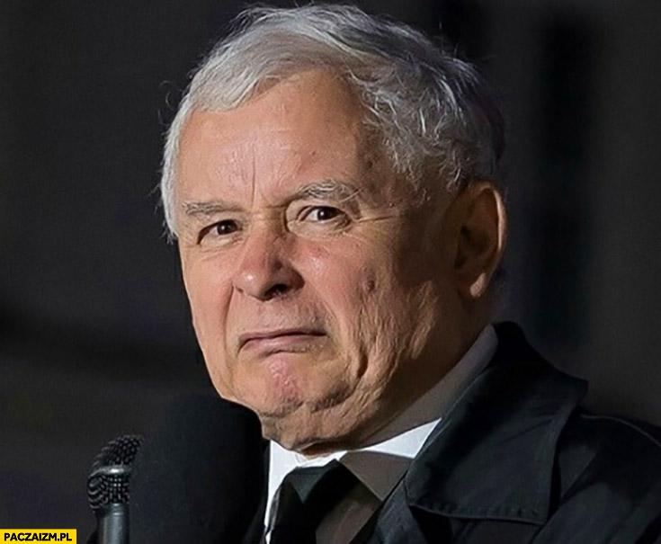 Kaczyński skrzywiony obrzydzony zniesmaczony grymas zdjęcie twarzy dziwna mina