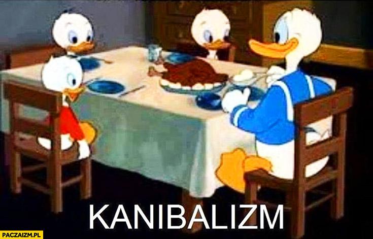 Kanibalizm Kaczor Donald kaczka na stole jedzenie