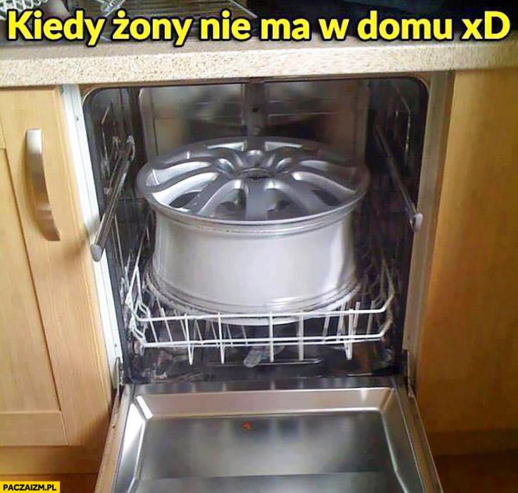 Kiedy żony nie ma w domu myje felgę samochodową w zmywarce