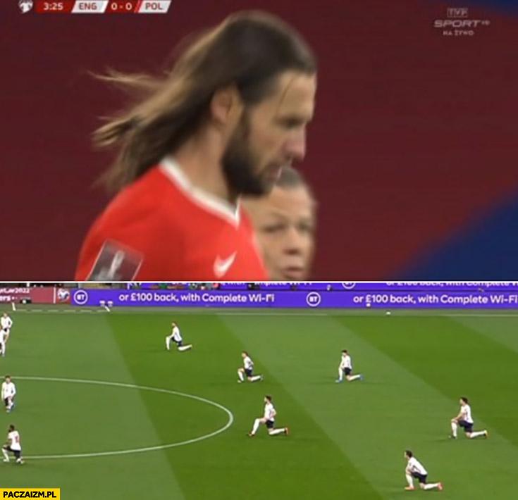 Krychowiak jak Jezus Anglia Anglicy klęczą klękają