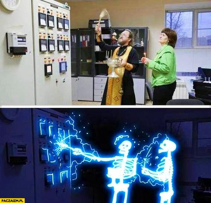 Ksiądz święcenie maszyny porażenie prądem
