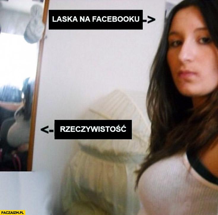 Laska na facebooku rzeczywistość brzuch ciąża