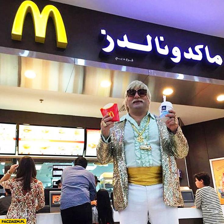Lech Wałęsa w McDonaldzie w Dubaju Arabii Saudyjskiej