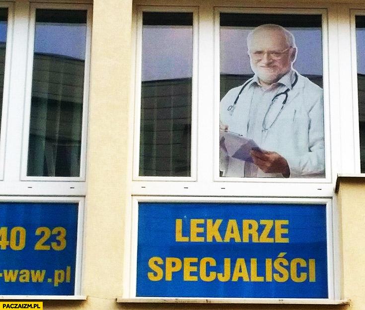 Lekarze specjaliści dziwny pan ze stocku