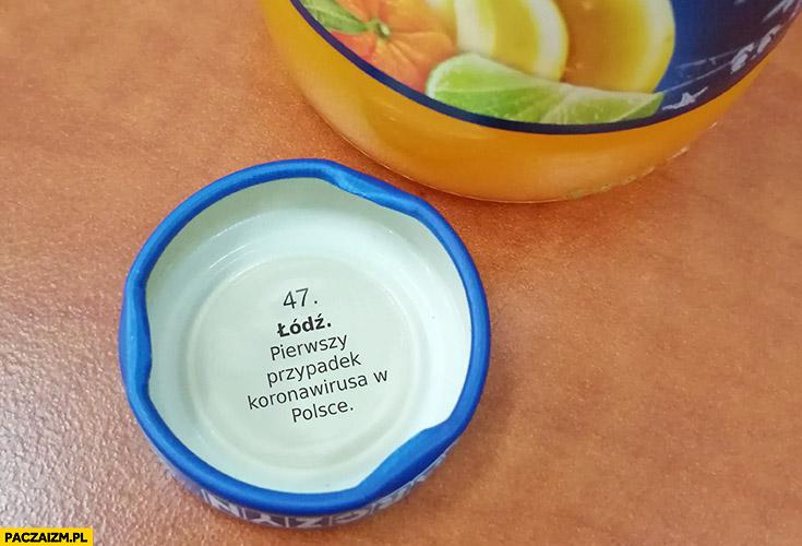 Łódź pierwszy przypadek koronawirusa w Polsce napis pod kapslem