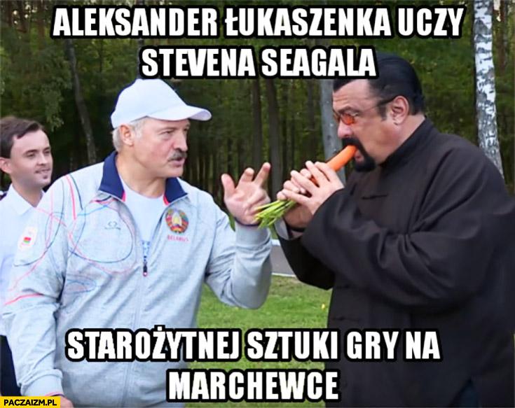 Łukaszenka uczy Stevena Seagala starożytnej sztuki gry na marchewce