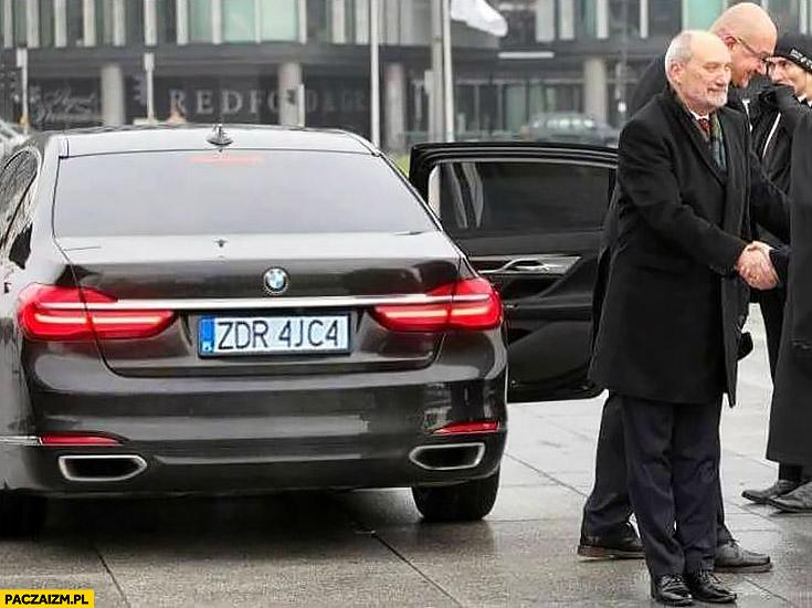 Macierewicz tablice rejestracyjne BMW zdrajca ZDR 4JC4