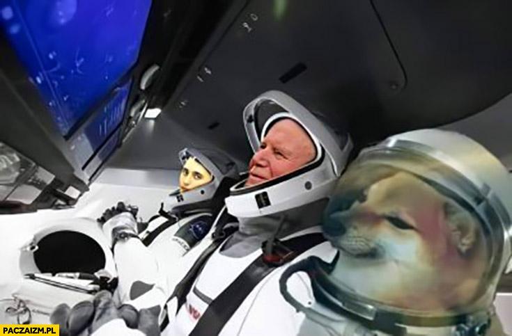 Magik papież Jan Paweł II doge pieseł lecą w kosmos