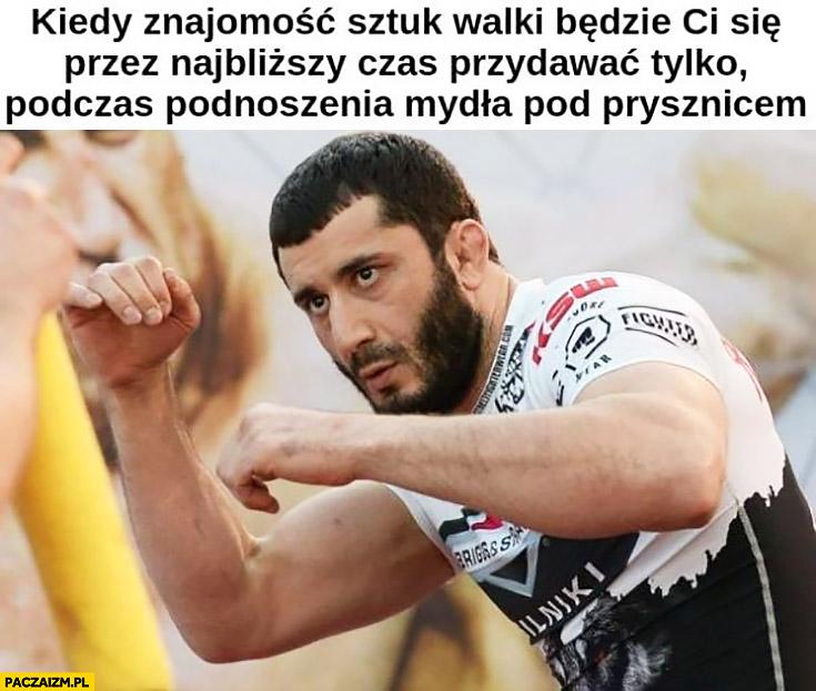 Mamed Khalidov kiedy znajomość sztuk walki będzie Ci się przez najbliższy czas przydawać tylko podczas podnoszenia mydła pod prysznicem
