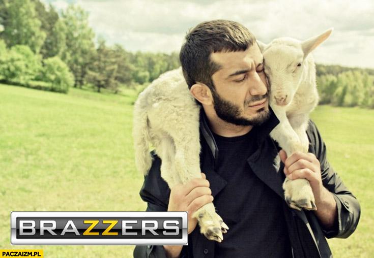 Mamed Khalidov zdjęcie z kozą zakochany