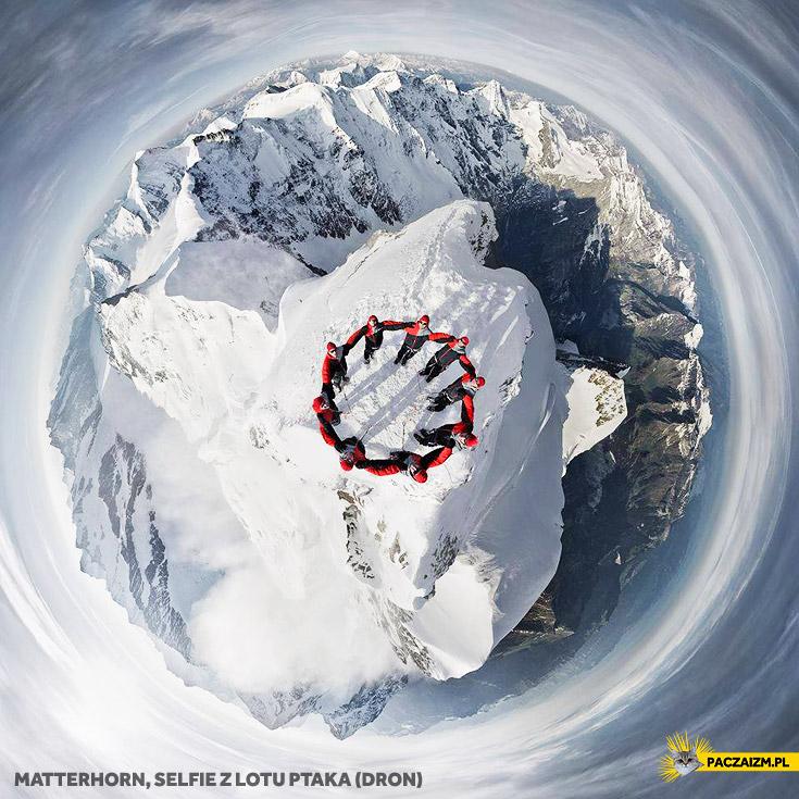 Matterhorn selfie z lotu ptaka