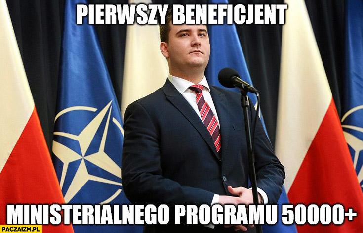 Misiewicz pierwszy beneficjent ministerialnego programu 50000+ plus