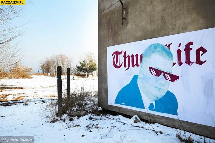Misiewicz thug life graffiti na murze