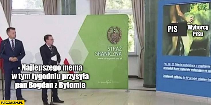 Najlepszego mema w tym tygodniu przesyła pan Bogdan z Bytomia straż graniczna konferencja prezentacja facet z krowa Błaszczak Kamiński