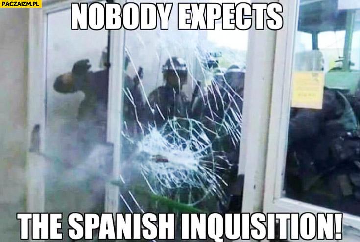 Nikt się nie spodziewa hiszpańskiej inkwizycji policja w Katalonii nobody expects the Spanish Inquisition