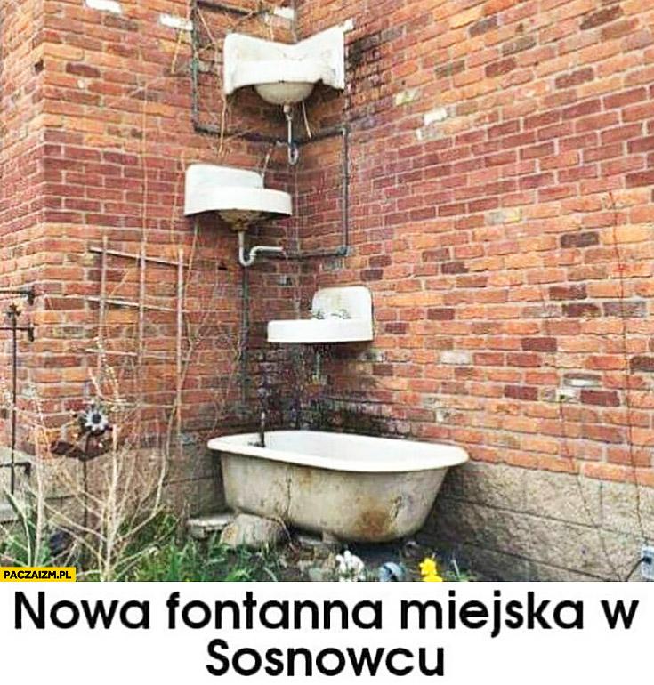 Nowa fontanna miejska w Sosnowcu umywalki toalety zamontowane na murze ścianie