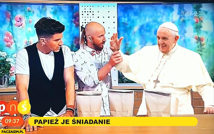 Papież Franciszek Pan Ząbek sztuczka z gwoździem pytanie na śniadanie przeróbka