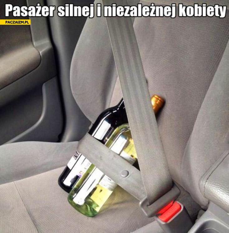 Pasażer silnej i niezależnej kobiety wino