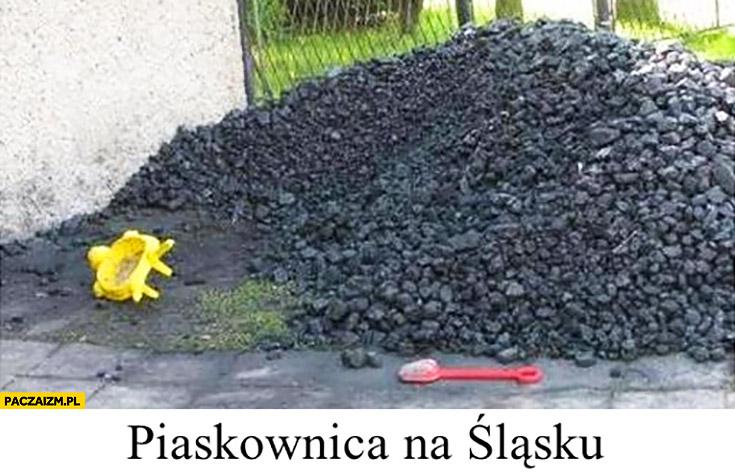 Piaskownica na Śląsku węgiel hałda węgla