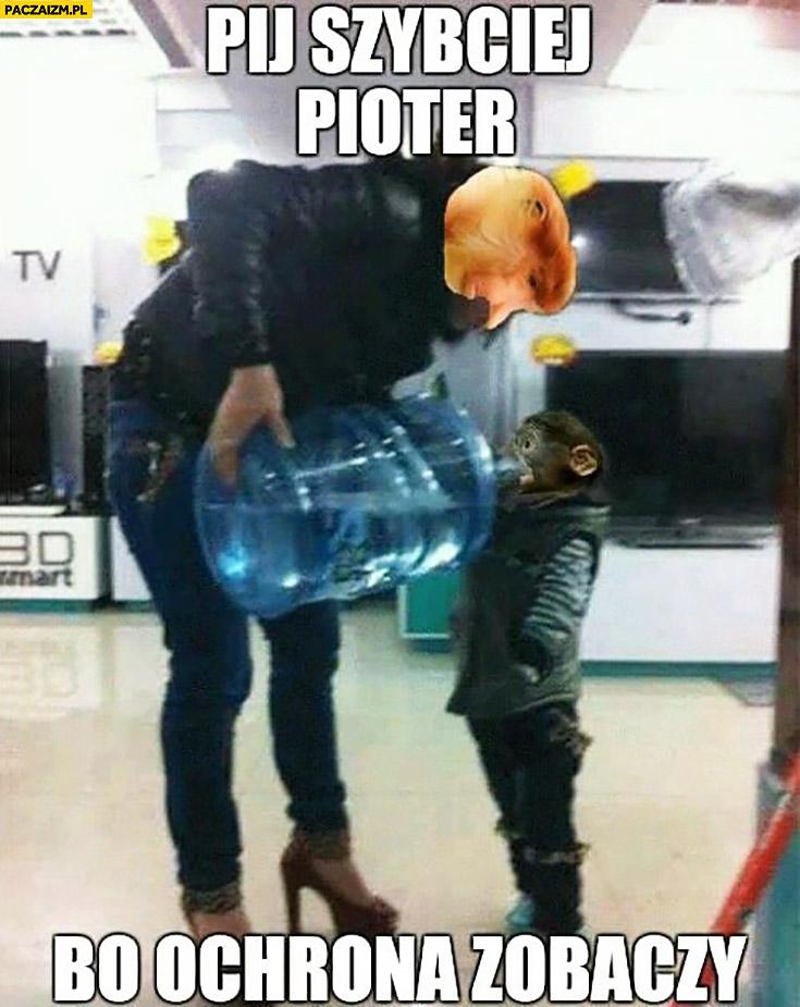 Pij szybciej Pioter bo ochrona zobaczy. Matka typowy Polak nosacz w sklepie