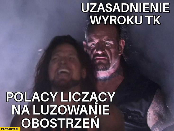 Polacy liczący na luzowanie obostrzeń, zamiast tego uzasadnienie wyroku tk wrestling