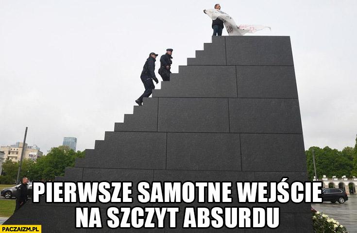 Pomnik Smoleński pierwsze samotne wejście na szczyt absurdu