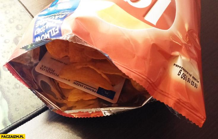 Prawo jazdy w chipsach Lays znalezione
