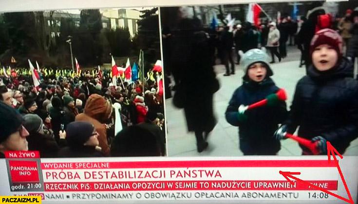 Próba destabilizacji Państwa dzieci z trąbkami TVP Info