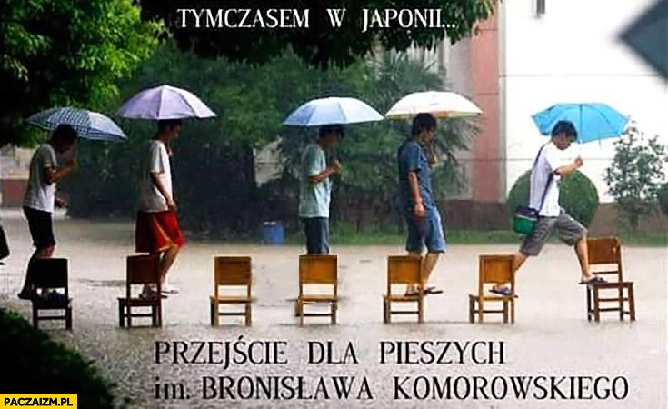 Przejście dla pieszych imienia Bronisława Komorowskiego krzesła
