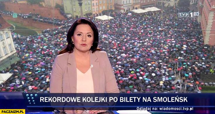 Rekordowe kolejki po bilety na Smoleńsk czarny protest Wiadomości TVP