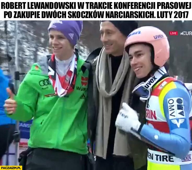 Robert Lewandowski w trakcie konferencji prasowej po zakupie dwóch skoczków narciarskich luty 2017